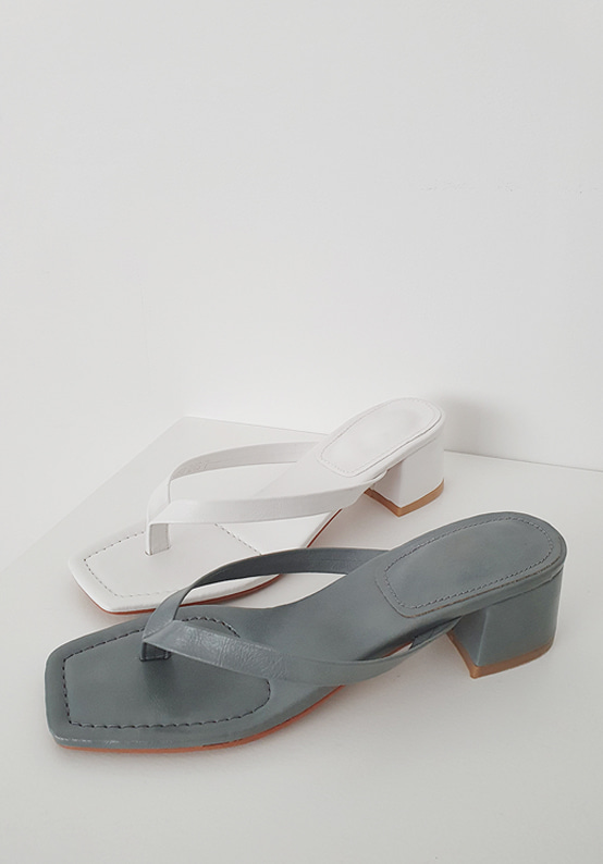 square middle heel sandal